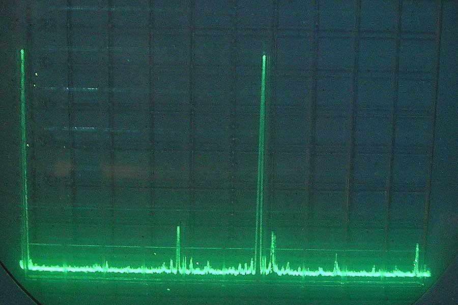 Выход АА на экране С1-104 -